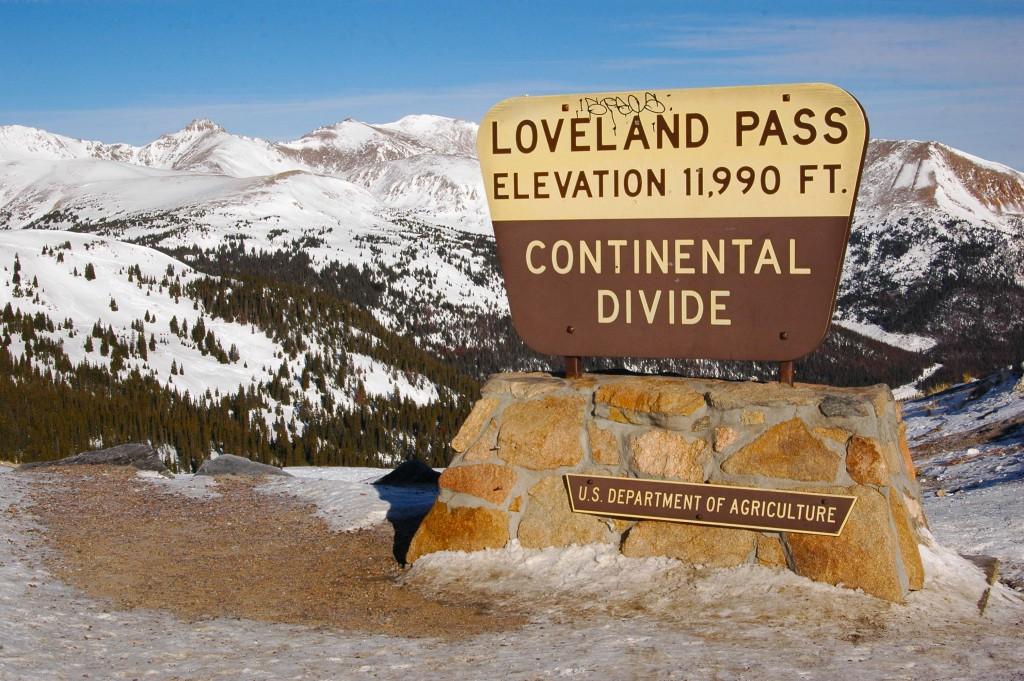 ContinentalDivideLovelandPass1.jpg