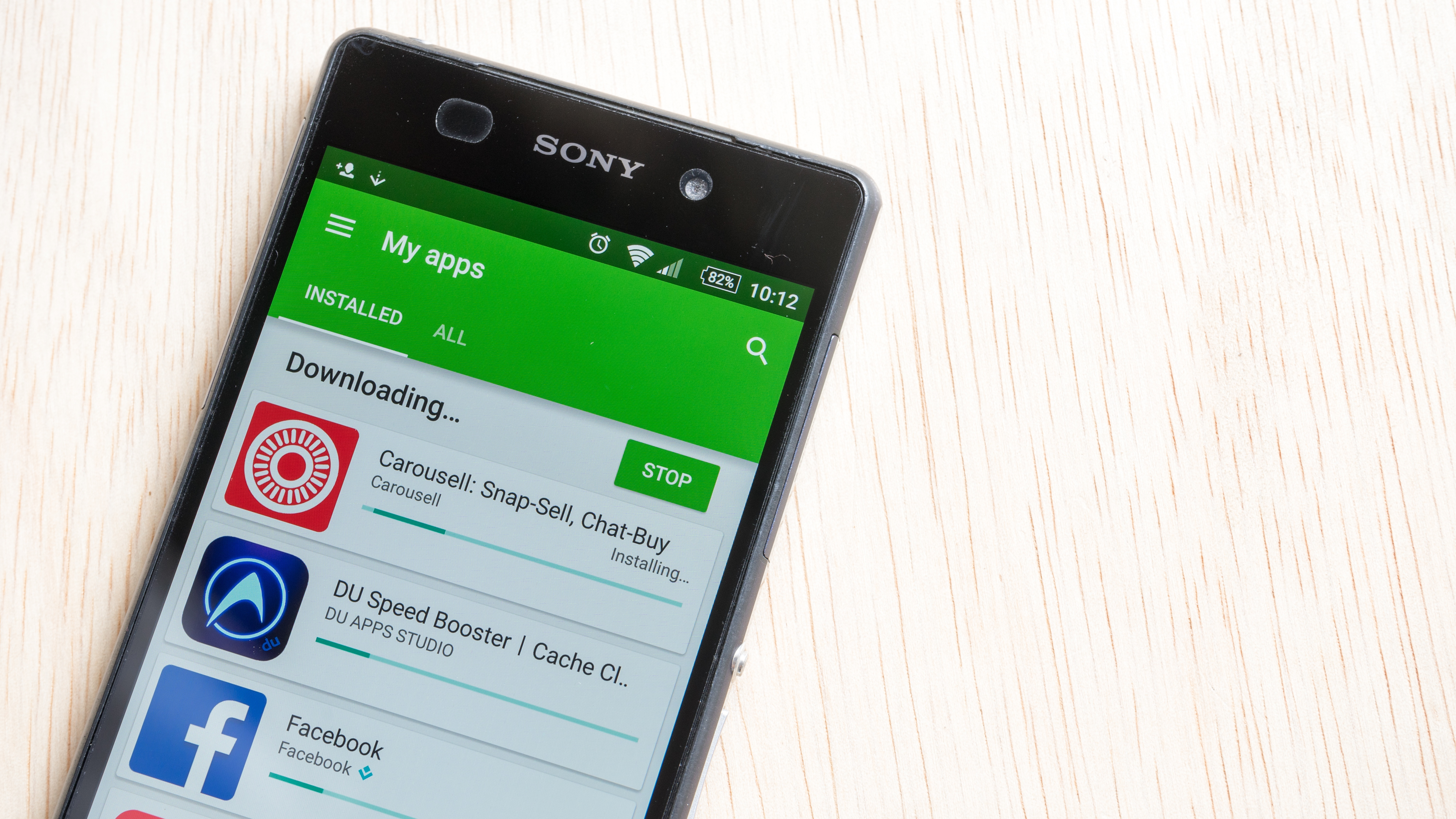 Google Play store updating apps