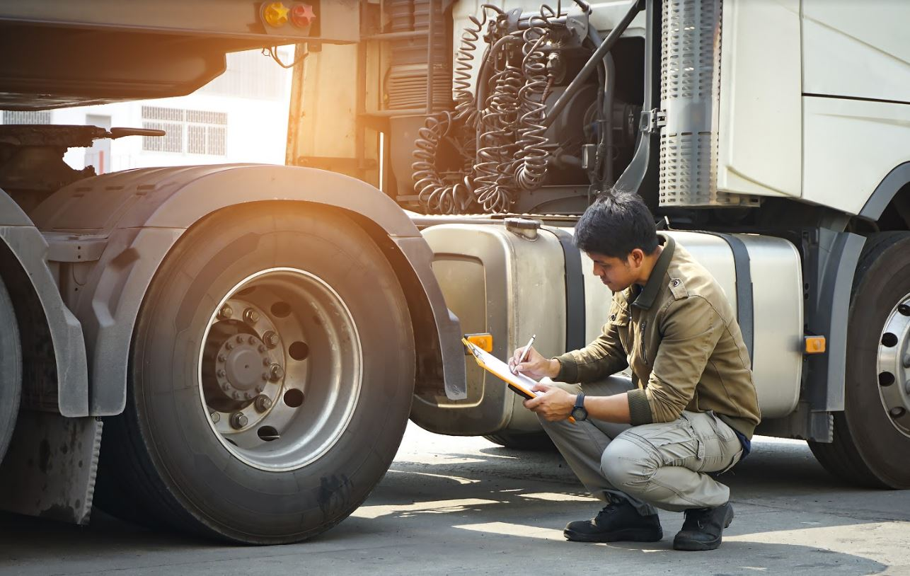 3 Operating Costs to Track While Maintaining Your Fleet